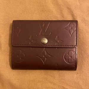 Authentic Louis Vuitton mat vernis ludlow compact